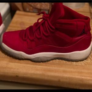 Jordan 11 retro bg gym red
